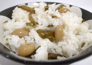 茎わかめと大豆の混ぜごはんの素中身.jpg