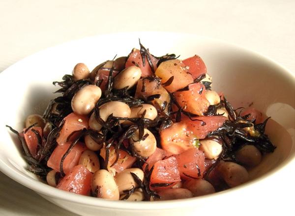 ひじき大豆水煮とトマトとオリーブオイル和え