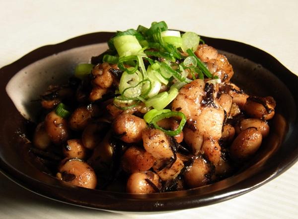 ひじき大豆水煮と鶏もも肉の炒め物
